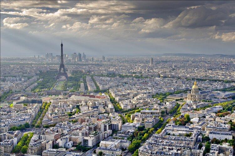 Paris vista in late evening.
